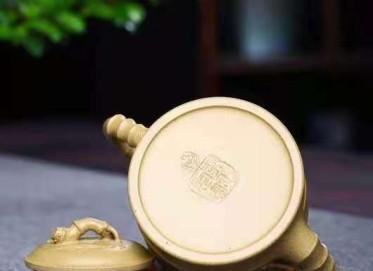 李霓紫砂壶作品|原矿段泥二节竹段壶200CC纯手工真品价位
