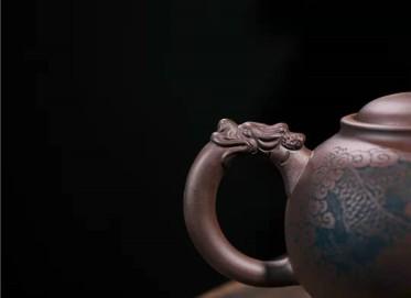 牟锦芬紫砂壶作品|原矿紫泥龙隐壶500CC手制真品价值