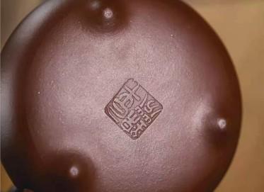 牟锦芬紫砂壶作品|原矿底槽清乳鼎壶350CC手工正品怎么样