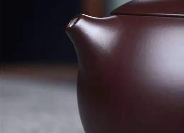 鲍明亚紫砂壶作品 原矿紫泥西施壶300CC手制真品价位