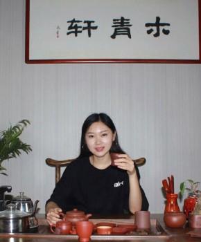 紫砂壶工艺师杜倩名家照片