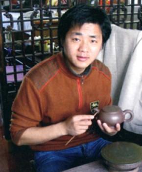 紫砂壶工艺师龚旭涛名家照片