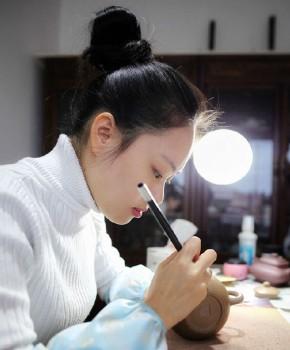 紫砂壶工艺师沙雯丽名家照片