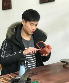 紫砂壶工艺师沈杨名家照片