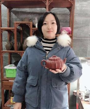 紫砂壶工艺师龚迪名家照片