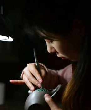 紫砂壶工艺师吴桐语名家照片