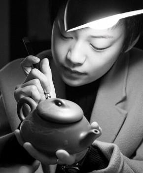 紫砂壶工艺师朱婷名家照片