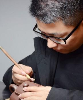 紫砂壶工艺师潘晨名家照片