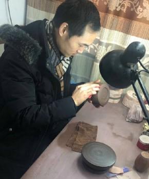 紫砂壶工艺师吴继强名家照片