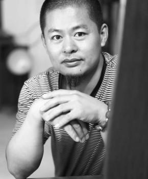 紫砂壶工艺师吴震名家照片