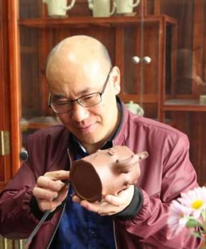 紫砂壶工艺师张俊良名家照片