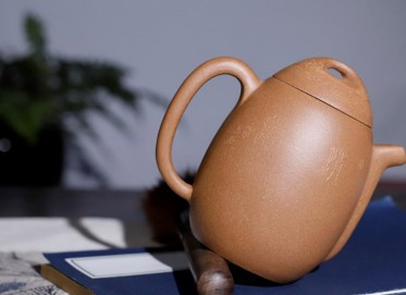 钱文英紫砂壶作品 龙旦壶 段泥 220cc 光器 工艺美术师 钱文英紫砂壶价格,多少钱