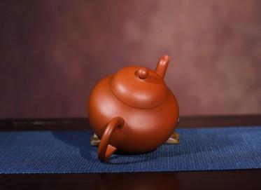 紫砂壶作品 孟臣款梨形壶 朱泥 150cc 光器  紫砂壶价格,多少钱