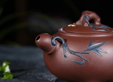 张伟军紫砂壶作品 松竹梅壶 原矿紫泥 300cc  高级工艺美术师 张伟军紫砂壶价格,多少钱