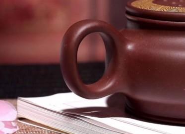 杨国琴紫砂壶作品 浮香绕岸壶 原矿紫泥(绞泥) 260cc  国家级工艺美术师 杨国琴紫砂壶价格,多少钱