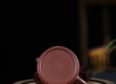 李群紫砂壶作品 笠帽壶 老紫泥 200cc 光器 民间艺人 李群紫砂壶价格,多少钱