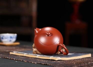 陈浩紫砂壶作品 西施壶 原矿大红袍 120cc 光器 助理工艺美术师 陈浩紫砂壶价格,多少钱