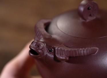 杨军保紫砂壶作品 扭转乾坤壶 原矿优质底紫泥 320cc  工艺美术师 杨军保紫砂壶价格,多少钱