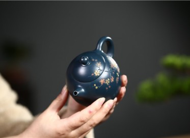 蒋春帆紫砂壶作品 墨绿泥清香龙蛋壶 300CC 国家级工艺美术师 蒋春帆紫砂壶价格,多少钱