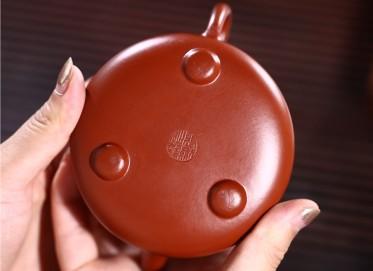 张剑紫砂壶作品 原矿大红袍清幽石瓢壶 210CC 国家级工艺美术师 张剑紫砂壶价格,多少钱