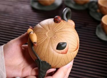 张剑紫砂壶作品 原矿段泥青蛙莲子壶 440CC 国家级工艺美术师 张剑紫砂壶价格,多少钱