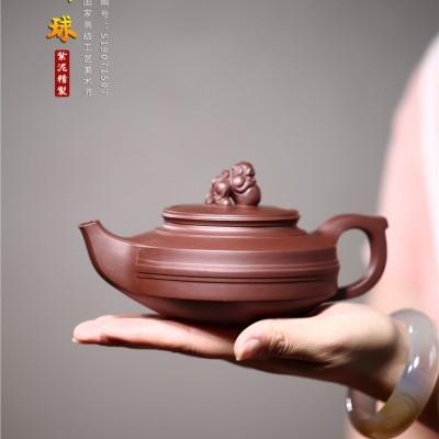 范晓丽作品 狮球壶