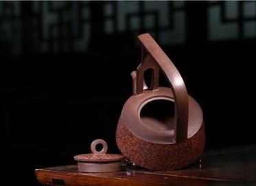 张剑紫砂壶作品 原矿紫泥鹧鸪提梁壶 340CC 国家级工艺美术师 张剑紫砂壶价格,多少钱