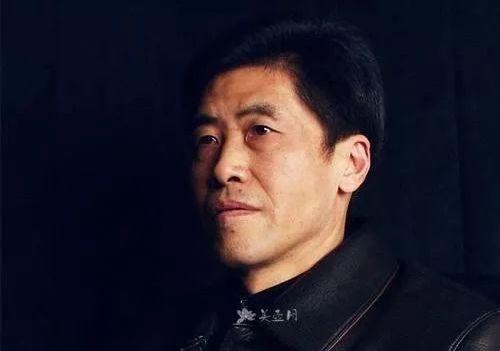 紫砂壶工艺师强德俊名家照片
