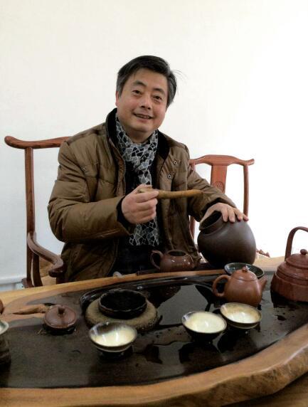 紫砂壶工艺师张剑名家照片