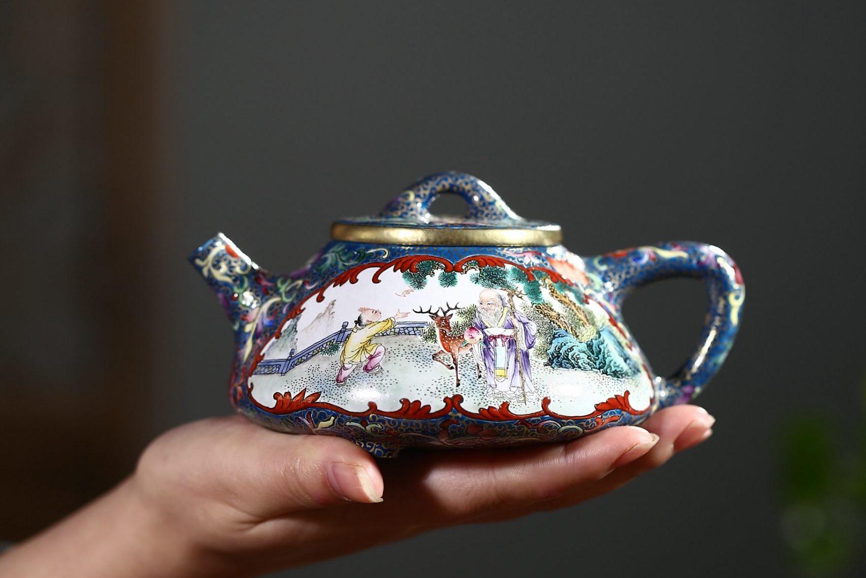 多方面解读紫砂壶的装饰艺术