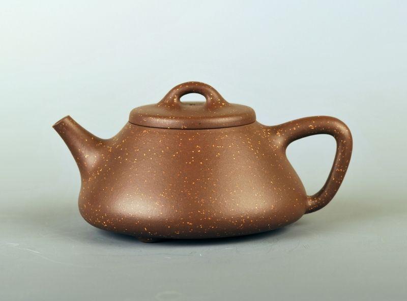 紫砂壶泥料颗粒较粗就不是好壶吗