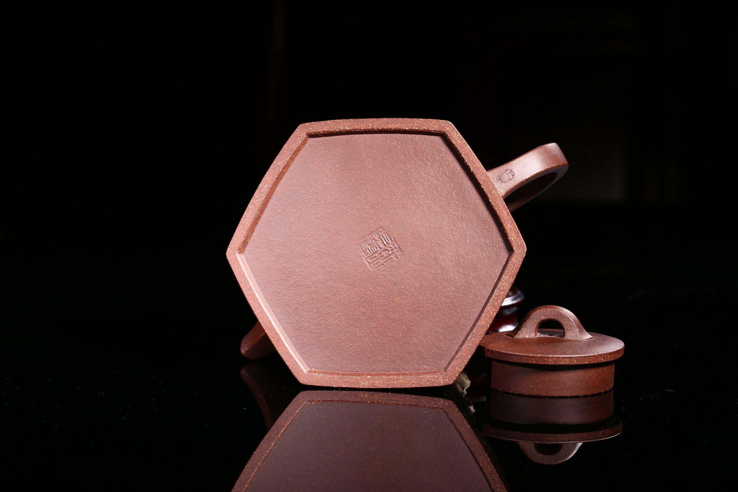 紫砂鉴赏丨鲍正兰·六方井栏壶