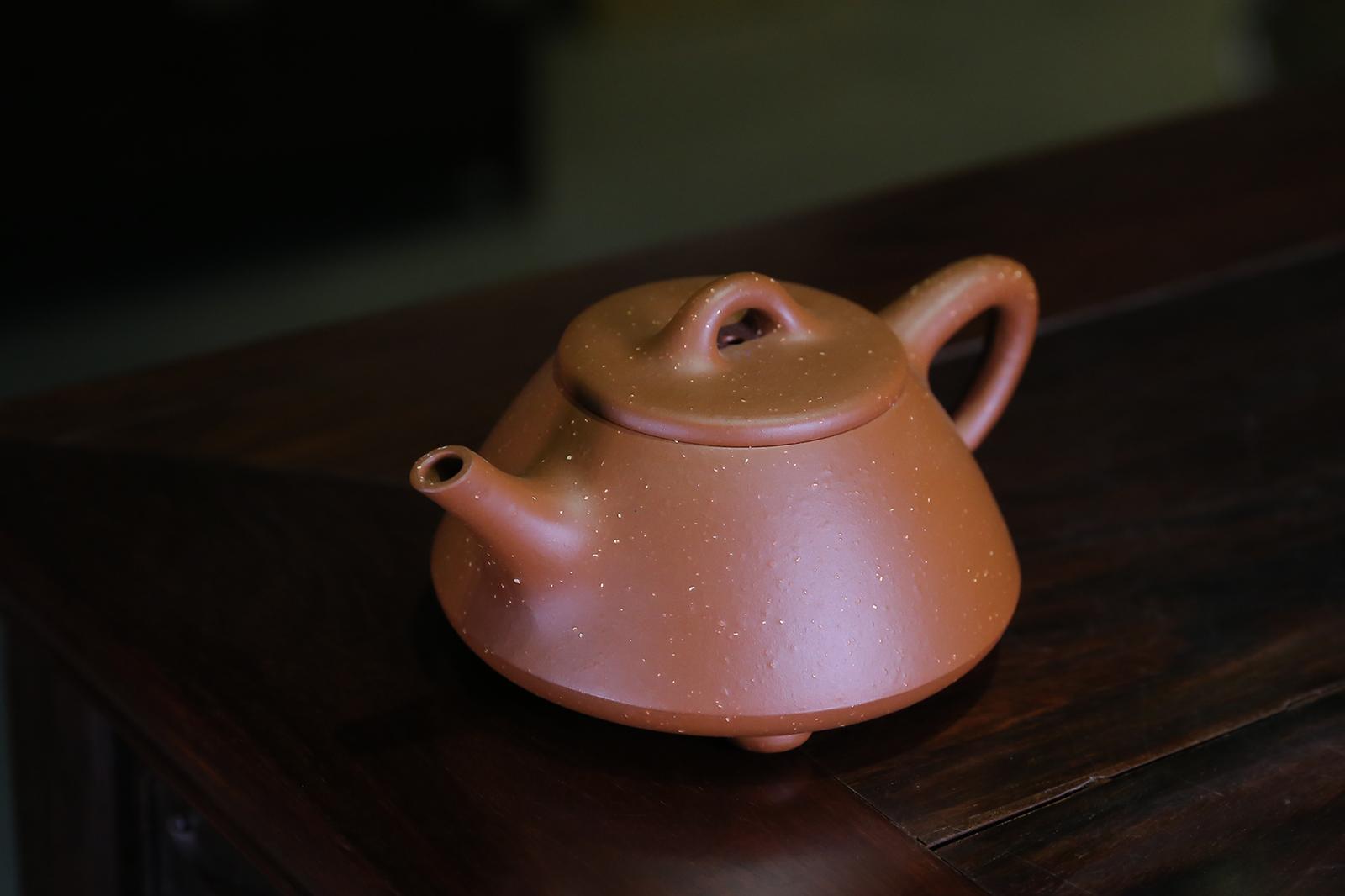 紫砂壶收藏看职称还是看作品