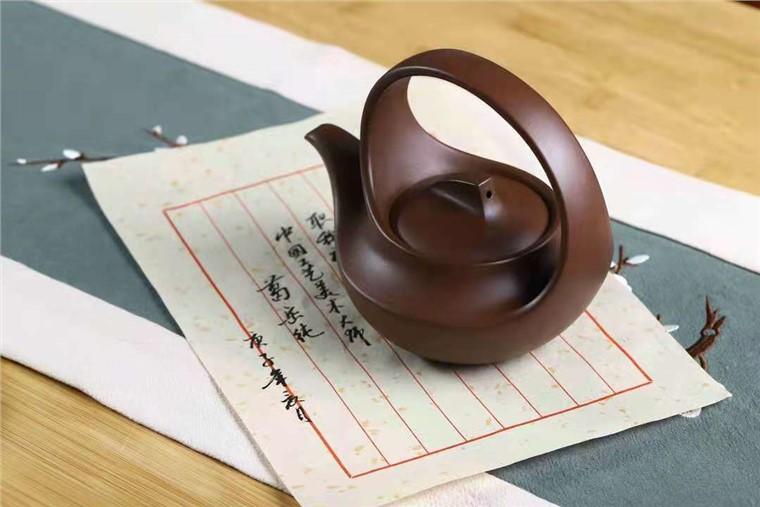 葛岳纯作品 曲壶图片