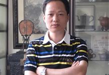 紫砂壶工艺师范建荣名家照片