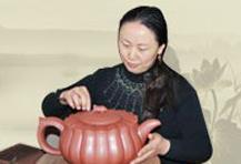 紫砂壶工艺师丁淑萍名家照片
