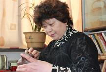 紫砂壶工艺师张彩英名家照片