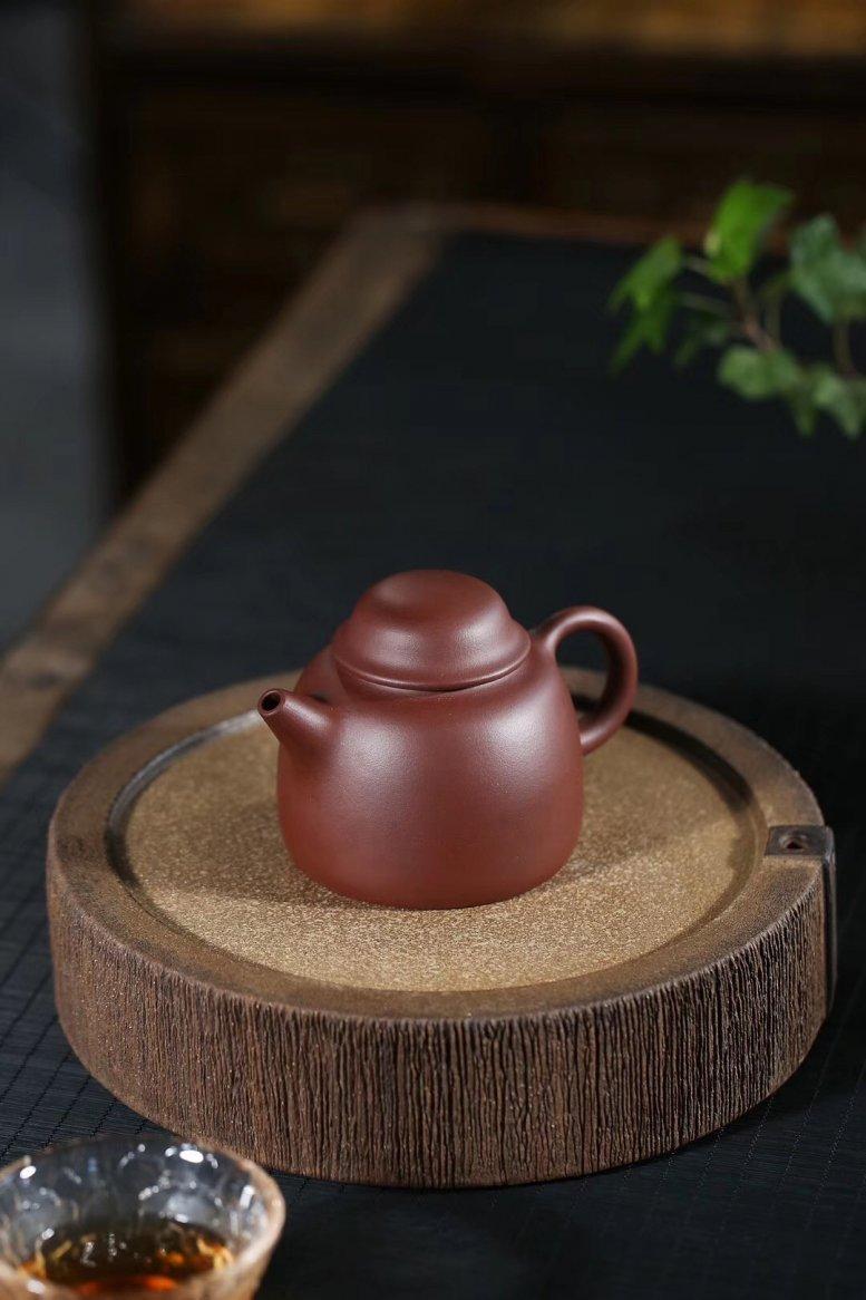 李群作品 笠帽壶